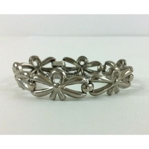 Monet Bracelet Bow Link Silver Tone Safety Chain